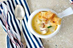 рыбный суп с сыром и гренками