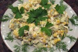 салат с курицей кукурузой и огурцом