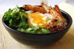 суп рисовый с яйцом