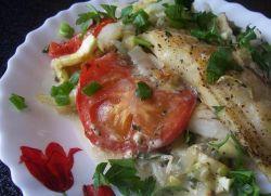 Тилапия с овощами в духовке