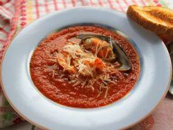 томатный суп  с морепродуктами
