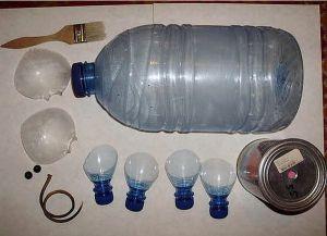 Поделки из пластиковых бутылок для дачи15