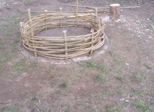 Забор своими руками из подручных материалов