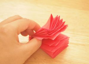 Игрушки своими руками из бумаги 25