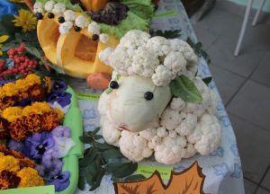 Поделки из овощей и фруктов на выставку6