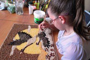 поделки из семян и круп своими руками4