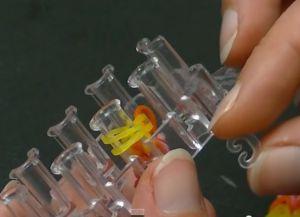 браслеты из резинок на маленьком станке (21)