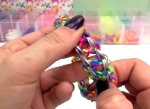 браслеты из резинок на маленьком станке (26)