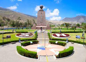 Эквадор - памятник Экватору