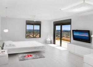 интерьер спальни со светлым полом 4