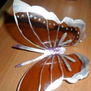 бабочки из пластиковых бутылок 12
