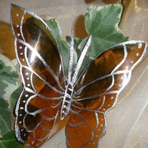 бабочки из пластиковых бутылок 16