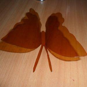 бабочки из пластиковых бутылок 6