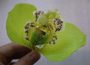 цветы из конфет своими руками49