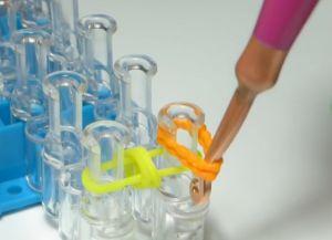браслет из резинок круговые узелки (10)