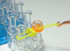 браслет из резинок круговые узелки (11)