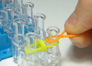 браслет из резинок круговые узелки (8)