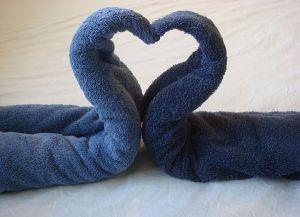 как сделать лебедя из полотенца 13