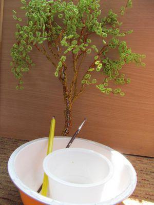 как сделать ствол для дерева из бисера 3
