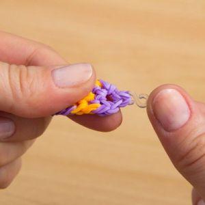как сплести браслет из резиночек на вилке 19