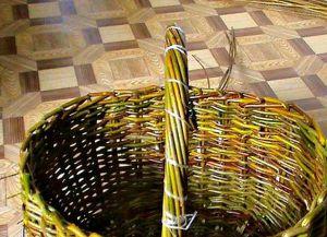 плетение корзин из лозин (19)