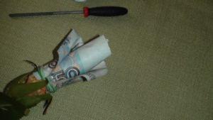 как сделать букет из денег9
