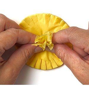 как сделать из бумаги одуванчик 8