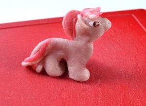 как сделать из пластилина пони 8