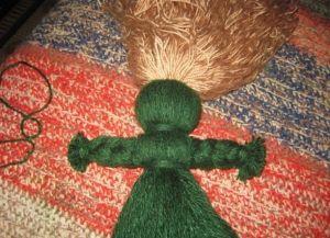 как сделать куклу из ниток10