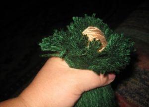 как сделать куклу из ниток3