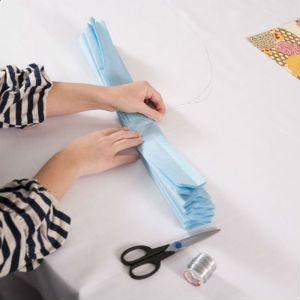 как сделать помпоны из бумаги3