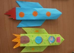 как сделать ракету из картона 17