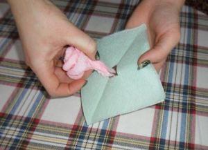 как сделать розу из салфетки24