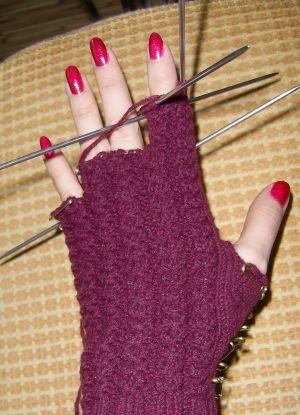 как связать перчатки спицами 8