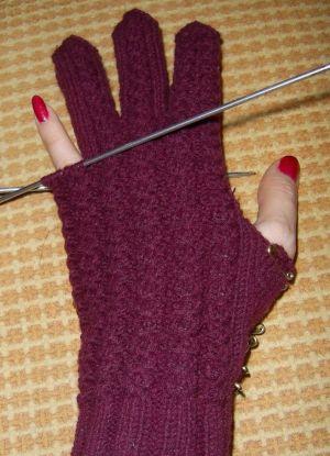 как связать перчатки спицами 9