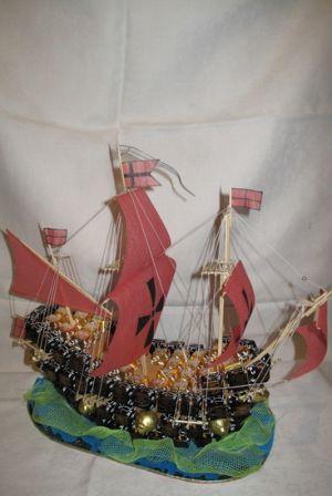 корабль из конфет мастер класс44