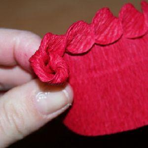 Розы из гофрированной бумаги10