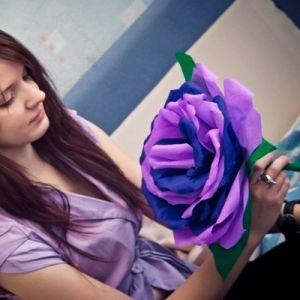 Розы из гофрированной бумаги17