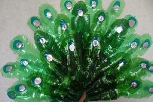 павлин из пластиковых бутылок4