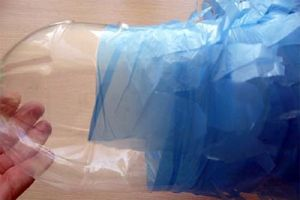 павлин из пластиковых бутылок9