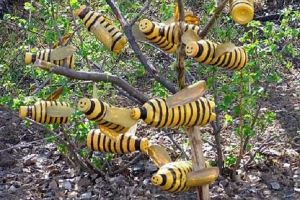 Пчелы из пластиковых бутылок20