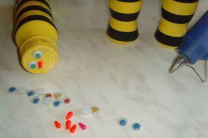 Пчелы из пластиковых бутылок9