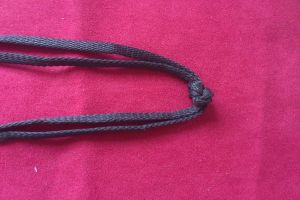 плетение браслетов из шнурков12