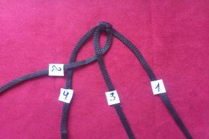 плетение браслетов из шнурков13