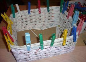 плетение из газет квадратной корзины7