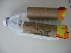 поделка ракета из пластиковой бутылки7