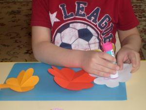 поделки из цветной бумаги цветы 2