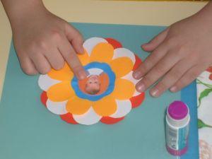 поделки из цветной бумаги цветы 4