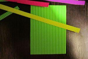поделки из гофрированного картона 9