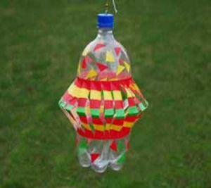 подвесные вертушки из бутылок 11
